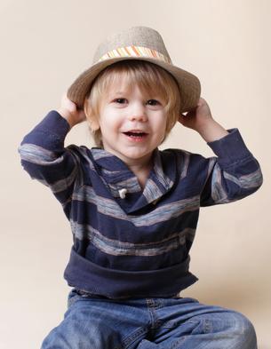 Dreng med hat